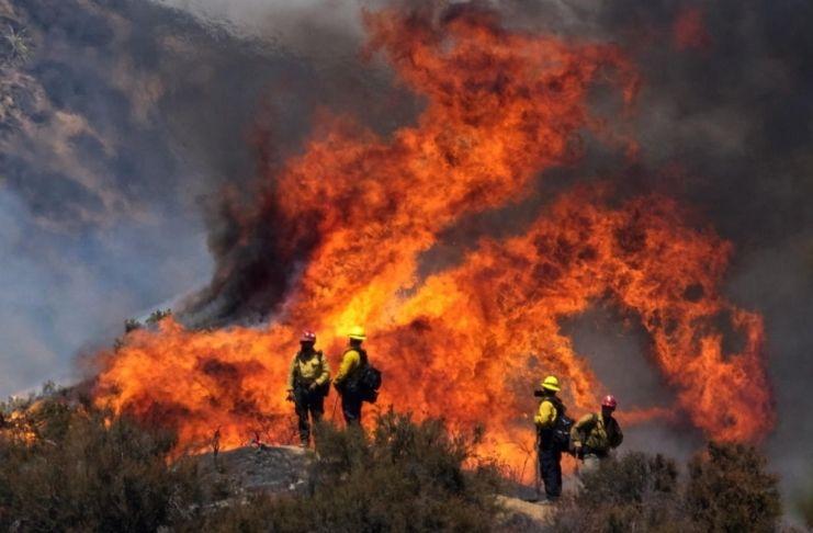 Incêndios na Califórnia provocam a COVID-19 2