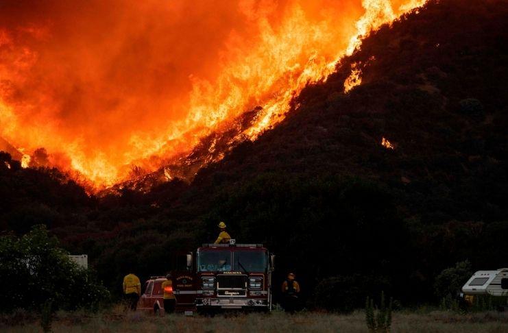Incêndios na Califórnia provocam a COVID-19 1