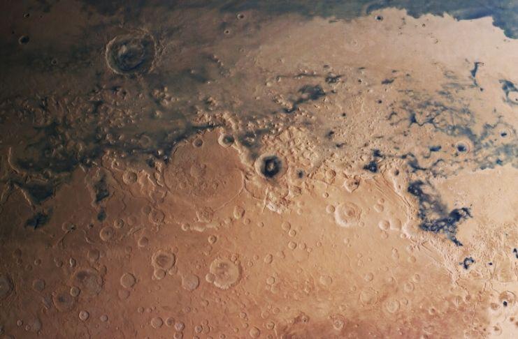 Lagos escondidos são encontrados em Marte, dizem os cientistas
