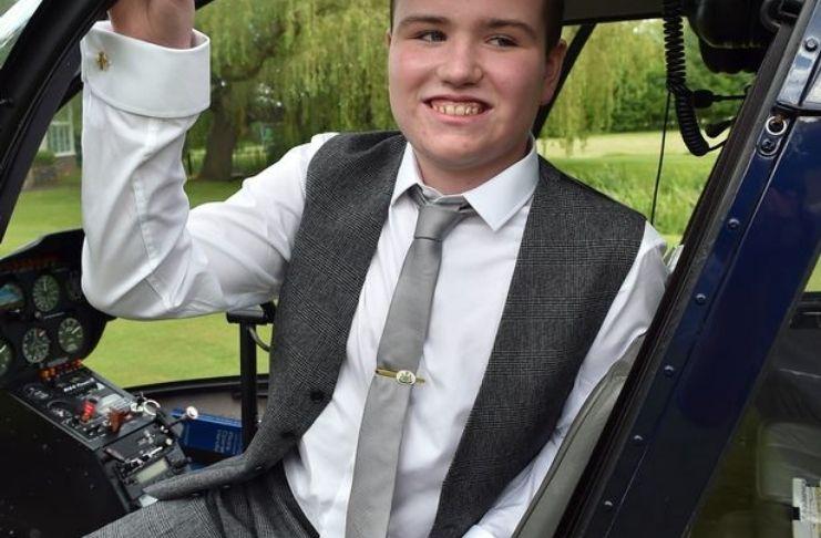 """Rapaz, 17 anos, """"perfeitamente saudável"""" está perdendo suas memórias por doença sem cura 5"""