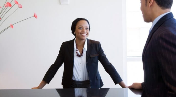 Vagas de recepcionista - Aprenda como encontrar na sua cidade