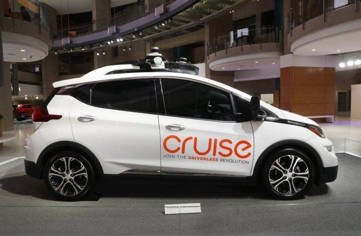 Empresa deixa de usar motoristas humanos em veículos autônomos