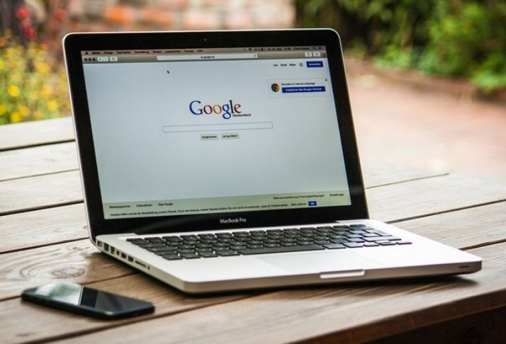 Google adiciona rastreamento de preços e facilita compras na Black Friday