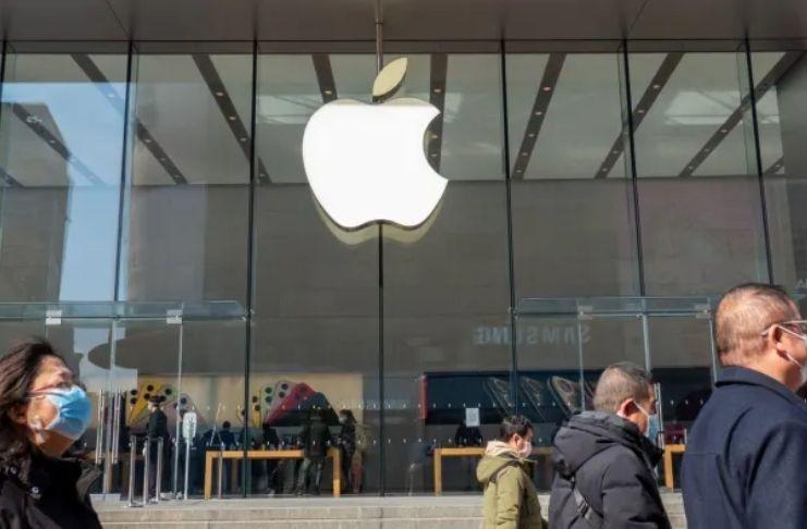 Filas reduzidas na China enquanto o novo iPhone 12 da Apple chega às lojas