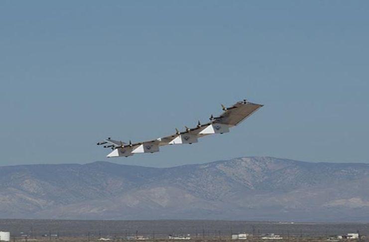 Drone movido a energia solar levanta voo em teste nos EUA