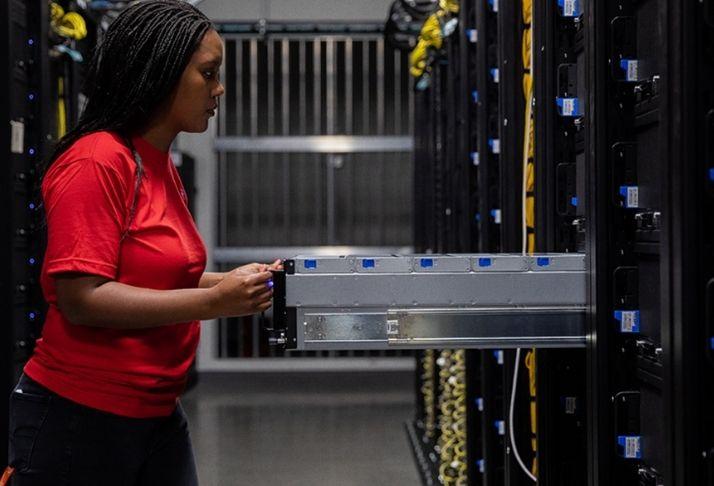 O futuro do armazenamento de dados: Dropbox investe em tecnologia econômica