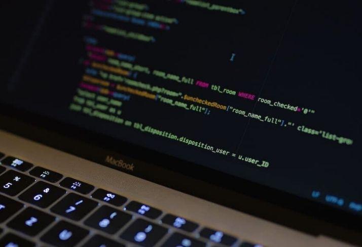 Signal, Facebook e Google Chat: Vulnerabilidades podem ser usadas para espionar usuários